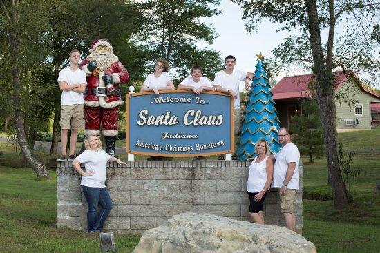 Santa's Lakeside Cottages Photo