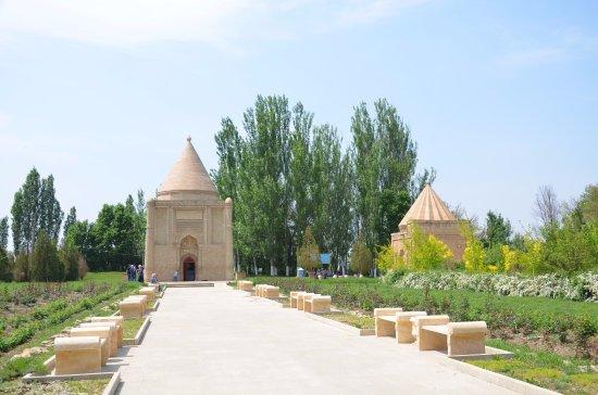 Aisha Bibi Mausoleum: Мавзолей Айша Биби, г. Тараз