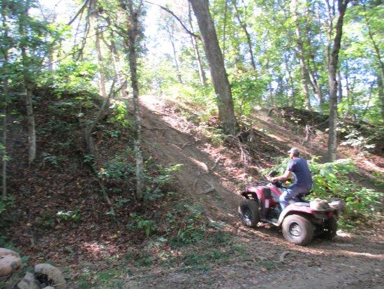 Canton, MO: Hill Climb Area