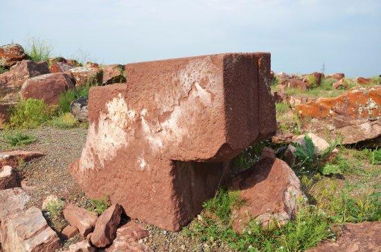 Taraz, Kasakhstan: Камень (вид 1) из угловой башни археологического комплекс Акыртас