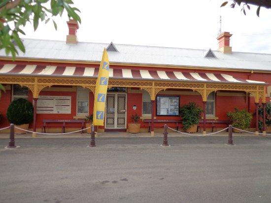 Forbes, Australia: Railway Station Information Centre