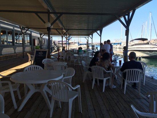 The Harbor House Cafe & Lounge : photo3.jpg