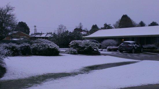 Highlands Motor Inn: Love the snow