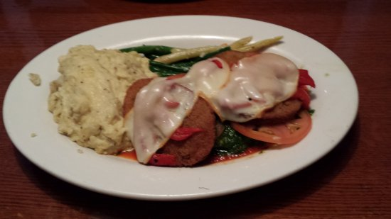 Mohegan Cafe & Brewery: Stacked Italian Chicken