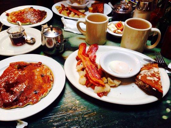 Dottie's True Blue Cafe: photo0.jpg