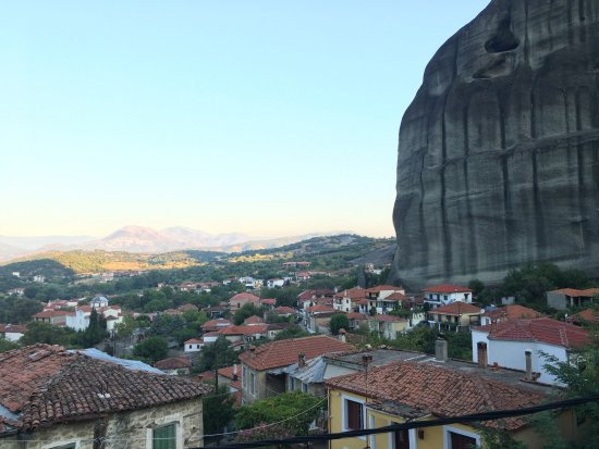 Guesthouse Sotiriou: Early morning view from the balcony