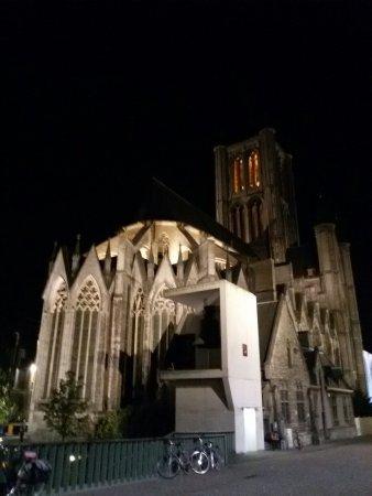 Ibis Gent Centrum St-Baafs Kathedraal: 20160913_221948_large.jpg