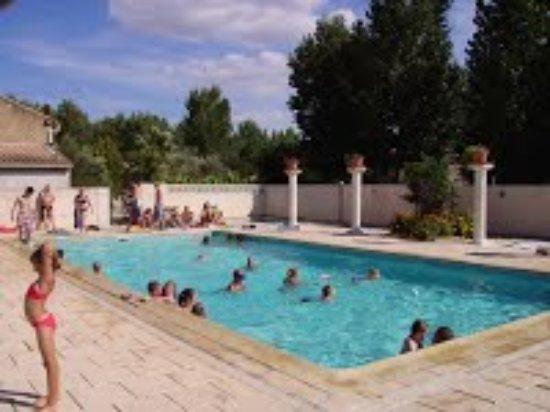 Camping st christol pezenas france voir les tarifs et - Pezenas piscine ...