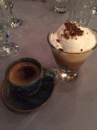 Marathias, Grécia: kaffe dessert