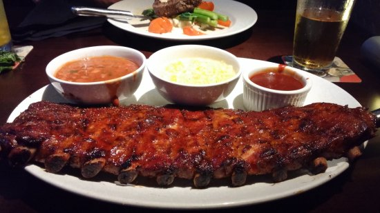 Yard House: Ribs and fix'ins