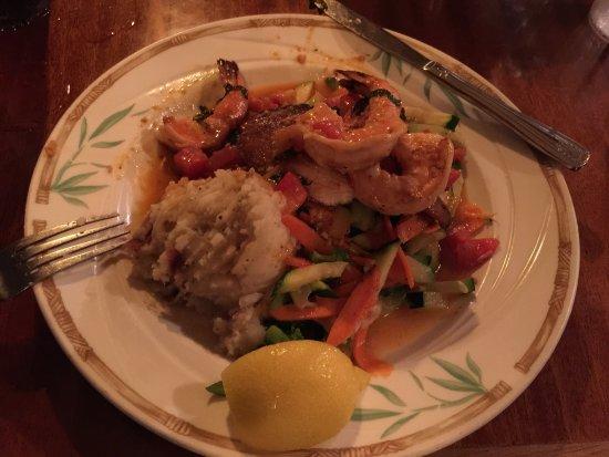 Captain Jack's Island Grill: photo1.jpg