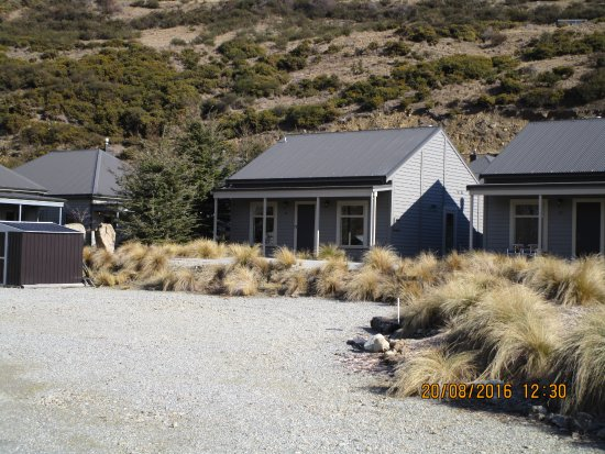 Benbrae - Cardrona Valley Resort: There are single ground floor units as well as single-story apartments.