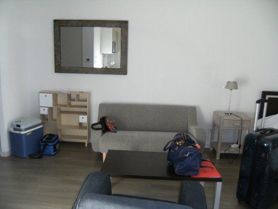 Zenao appart 39 hotel yzeure france voir les tarifs et for Appart hotel yzeure