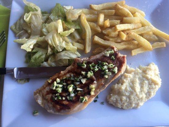 Carcans, France: plat du jour, grillade !