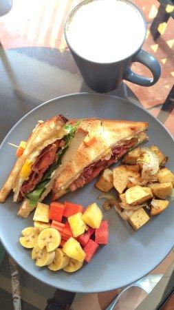 Joe to Go : Breakfast Sandwich