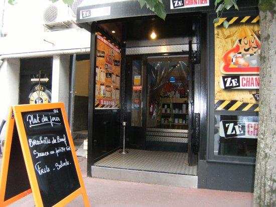 Restaurant atypique picture of zechantier limoges for Restaurant atypique