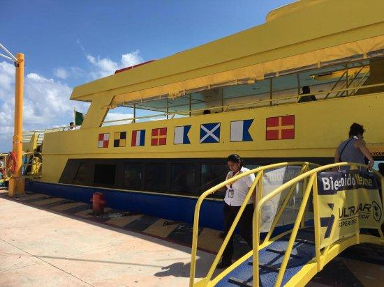 UltraMar Ferry : Ferry