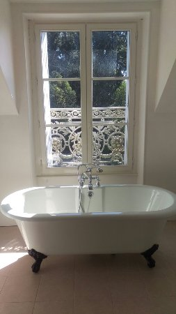Fromental, France : Wonderful views, stunning house and a great place to stay to make memories - a must visit