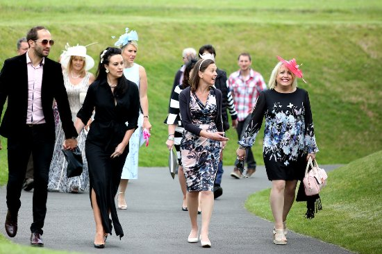 ladies day picture of chelmsford city racecourse chelmsford
