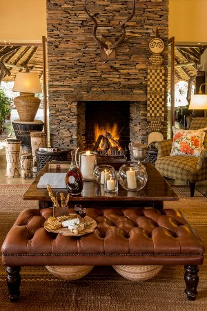 Tuningi Safari Lodge: Main Lodge