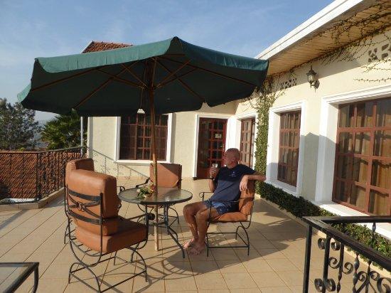 Golf Hills Residence: Balcony