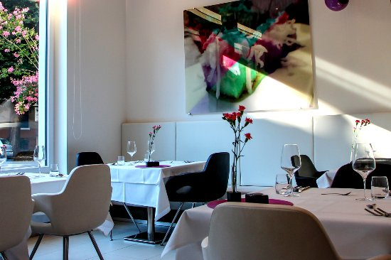 "Restaurant & Tapas Bar The Gallery: Welcome @ Restaurant & Tapas Bar ""The Gallery"" - City Hotel Merano"
