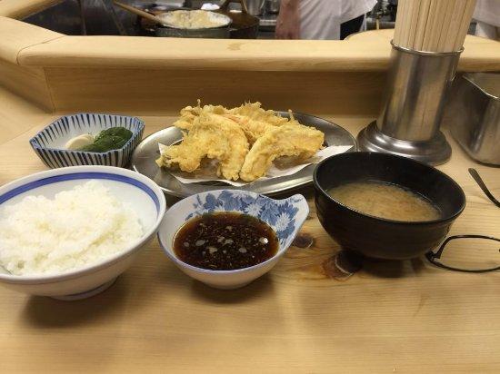 Tenpuraimoya: 天ぷら定食
