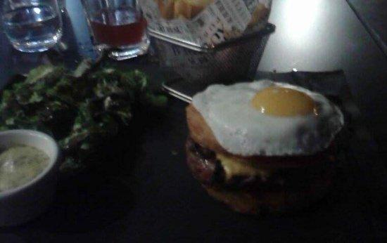 Jaux, Frankrike: Burger royal