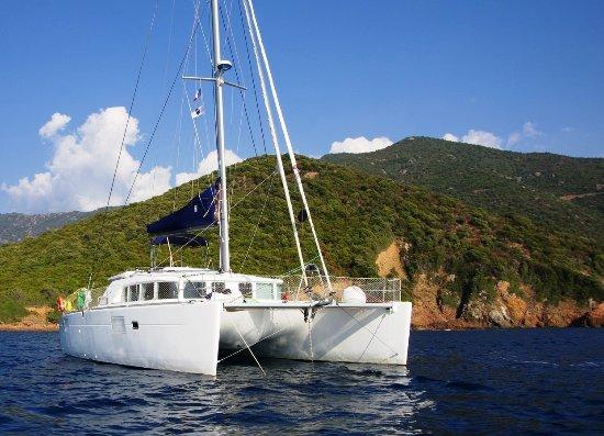 French Riviera - Cote dAzur, França: CoconutSailing catamaran Diatomée