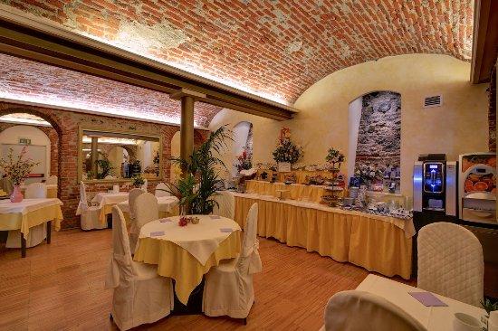 Hotel Due Mondi: Sala colazioni