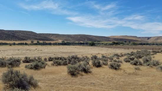 Glenns Ferry, ID: View from the Center to the Crossing