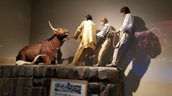 Glenns Ferry, ID: Inside display of the oxen