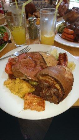 Lustleigh, UK: Sunday Roast.