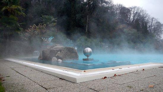 Millepini Terme Hotel: scattata in dicembre. Fuori è freddo ma l'acqua è calda: libidine!!!