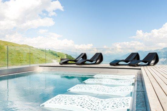 Chetzeron : piscine à 2112 m