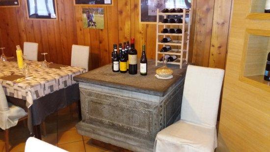 Albergo Ristorante Corno Brunni: Particolare sala da pranzo