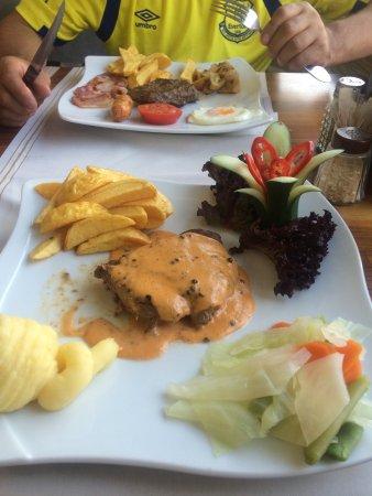 Elif's Cafe : photo1.jpg