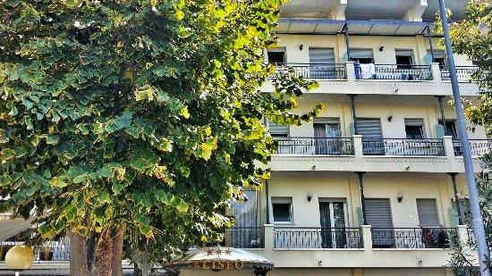 Balconi Piccolissimi : Camera mansardata bagno con finestra sempre aperta perché
