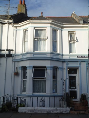 Old pier house plymouth england pensionat for Classic house list 90s