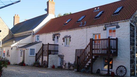St. Pierre du Bois, UK: Les Brehaults holiday cottages