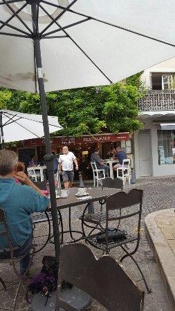 Restaurant vino cafe dans saint paul trois chateaux avec - Le comptoir des arts saint paul trois chateaux ...