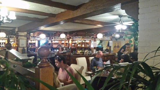 St. Pierre du Bois, UK: The Longfrie Inn interior