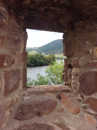 Callander, UK: Through the eye of an old castle window in the Highlands. Thanks Andy!