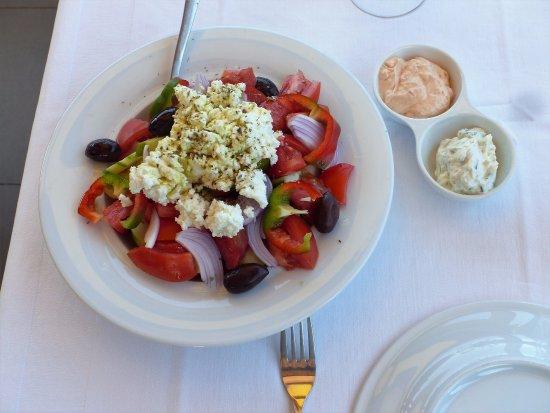 Kefalas, Greece: Cretan salad