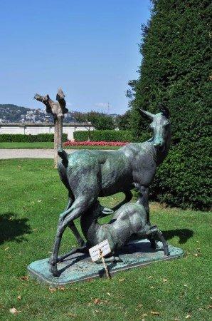 Beylerbeyi-Palast (Beylerbeyi Sarayı): sculptures in the garden