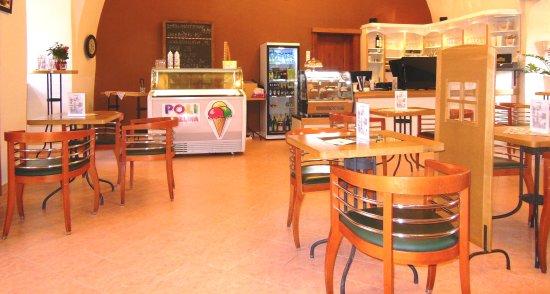 Blatna, República Checa: inside of Cafe
