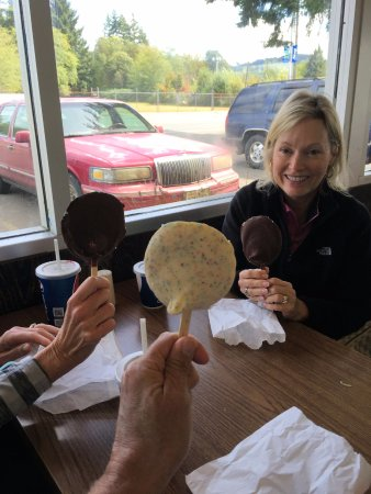 Sully's Drive-in : Dilly Bars at Sully's
