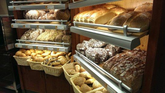 Obertshausen, Almanya: Bäckerei Zum Knusperhäuschen