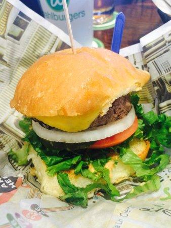 Lynnfield, MA: Burger