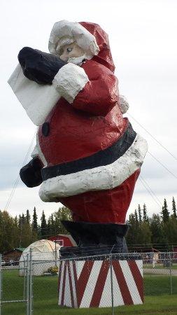 Santa Claus House: Santa Claus statue